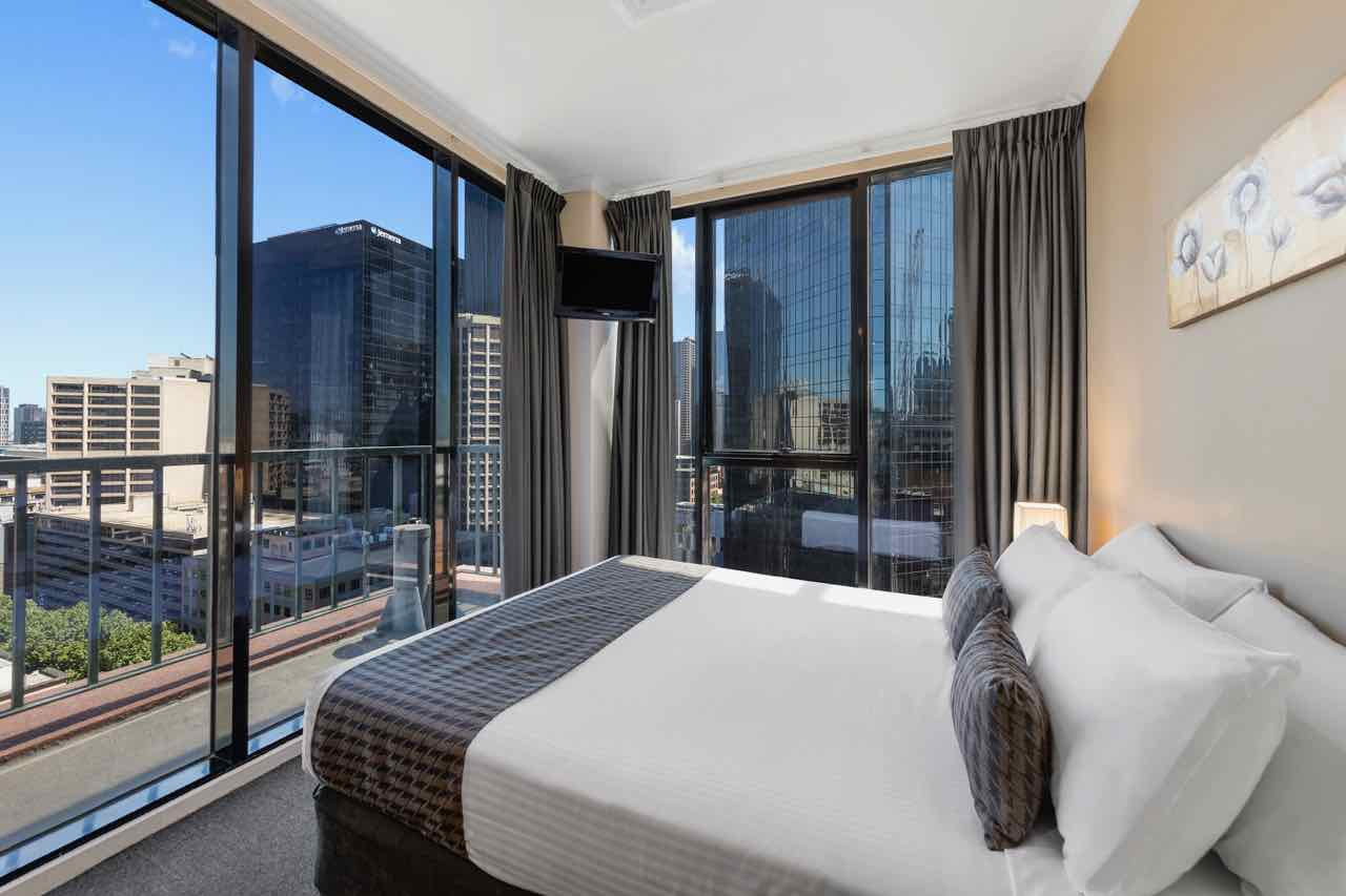 riverside-apartments-melbourne-vic-accommodation-three-bedroom-apartment-city-view4 copy