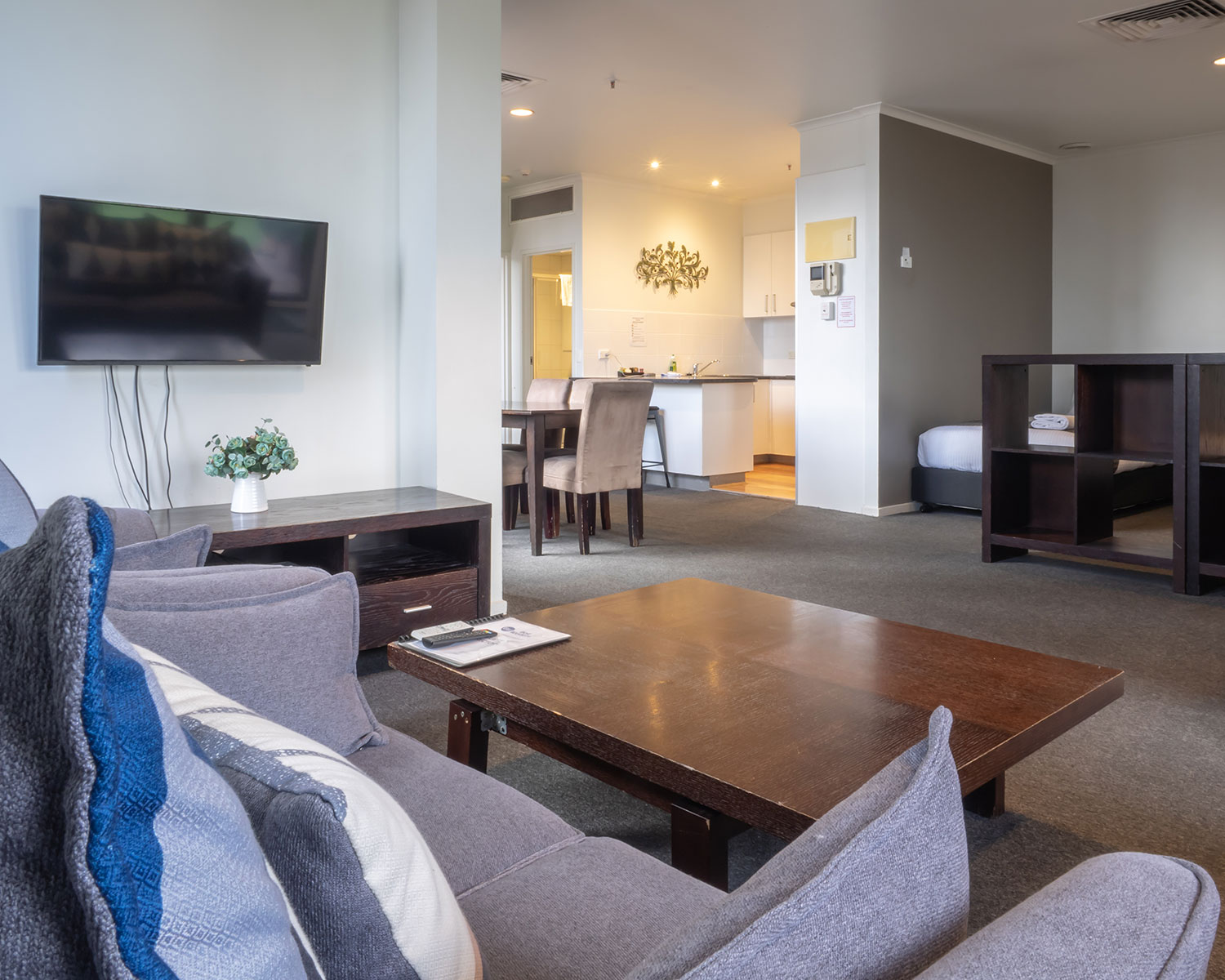 riverside apartments melbourne vic accommodation two bedroom penthouse17 1